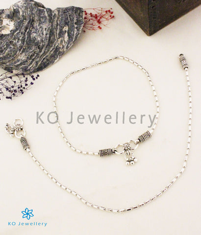 The Kumud Silver Anklets