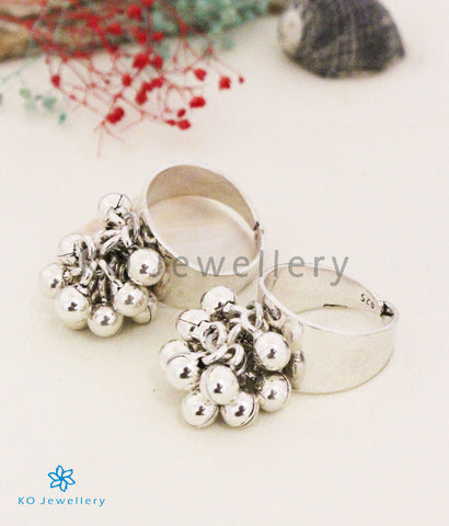 The Kadambini Silver Toe-Rings