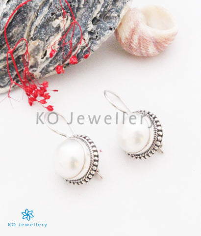 The Parul Silver Pearl Earrings