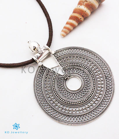 The Aashi Silver Pendant