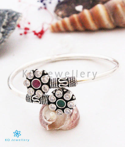 The Pujita Flexible Silver Gemstone Bracelet(Red/Green)