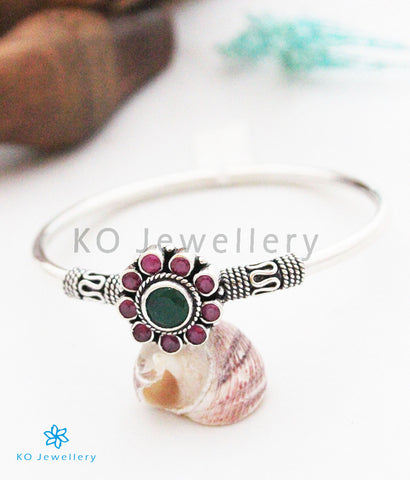 The Sumanaka Silver Gemstone Bracelet(Red/Green)