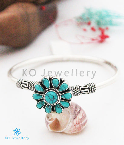 The Kriti Openable Silver Gemstone Bracelet(Turquoise)
