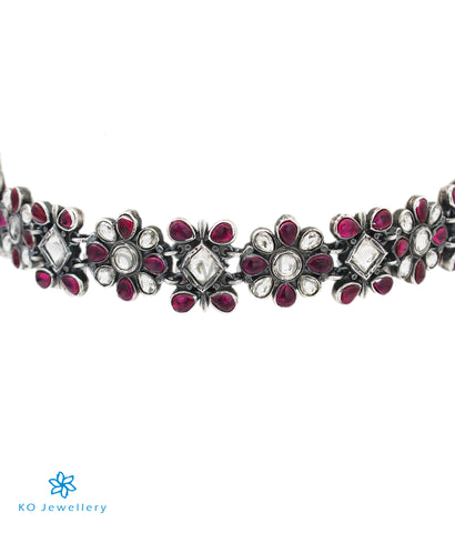 The Vipasha Silver Kempu Necklace