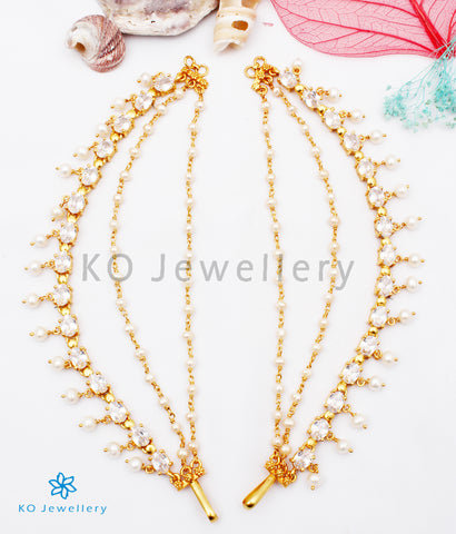 The Jivika Silver Ear chain (White/Pearl)