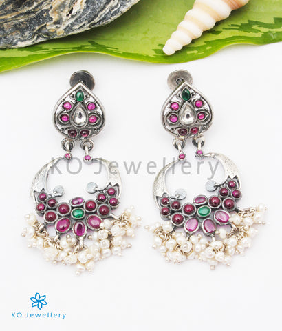 The Nivar Silver Earrings