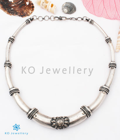 The Anvi Silver Hasli Necklace