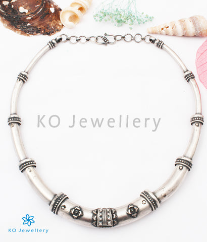 The Apoorv Silver Hasli Necklace