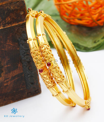 The Kumud Silver Coorgi Bangle (Size 2.4/2.8)