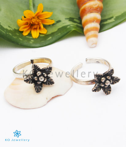 The Adhanika Silver Toe-Rings
