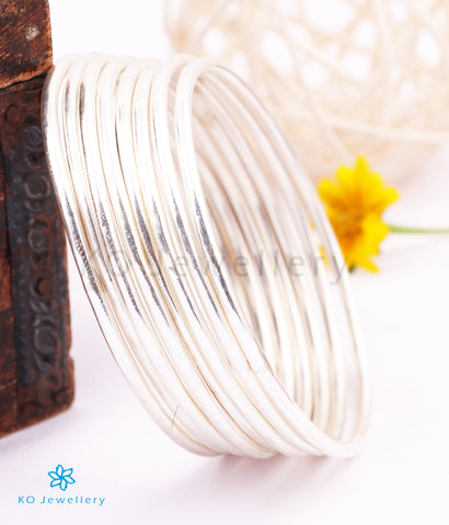 The Ujjal Plain Silver Bangle (Size 2.5)