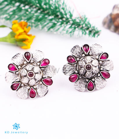 The Ihita Silver Ear-studs (Red/Oxidised)