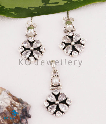 The Isha Silver Pendant Set (White)