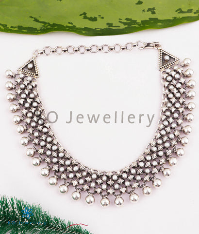The Urmika Silver Pearl Necklace (3 layers)