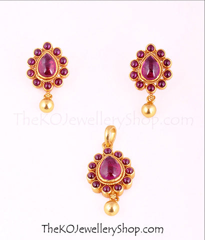 Handmade pendant set antique South Indian gold jewellery