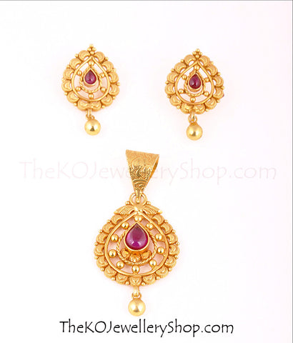 South Indian antique gold temple jewellery pendant set online shopping