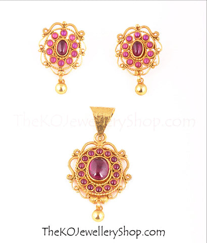 Kempu stone and filigree work temple jewellery pendant set