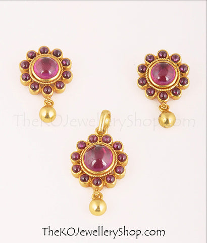 Gold dipped South Indian antique jewellery pendant set