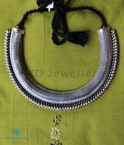 The Prahara Silver Necklace (Oxidised)