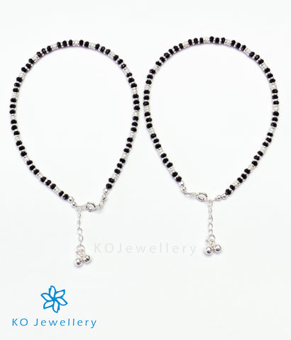 The Sattva Silver Black-bead Anklets