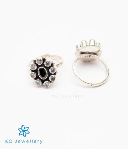 The Amrita Silver Toe-Rings (Black)