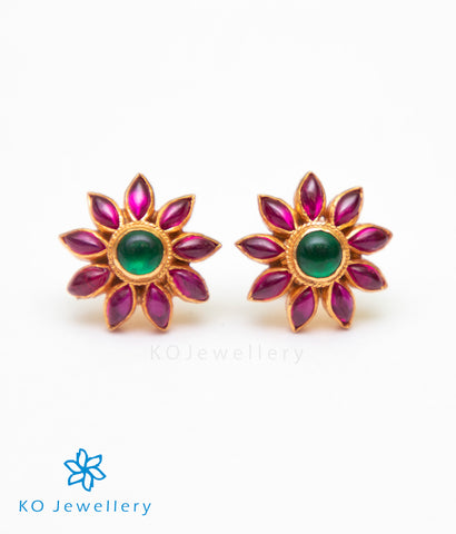 The Lohita Silver Kempu Ear-Studs(Red/Green)