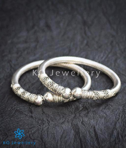 The Mohin Flexible Silver Bracelet (2.2/2.4/2.5/2.6)