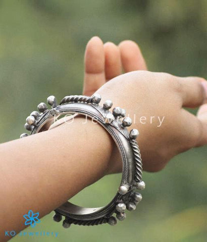The Vrtta Antique Silver Bracelet