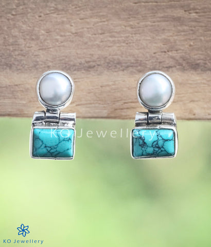 The Parth Silver Earstuds(Turquoise)