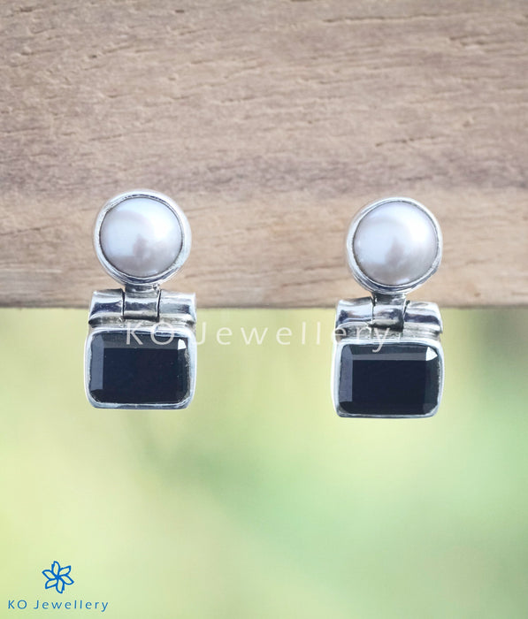 The Parth Silver Earstuds(Black)