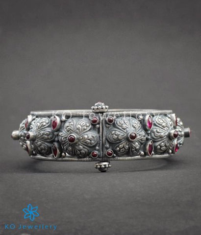 The Parijata Silver Antique Bangle(Red)