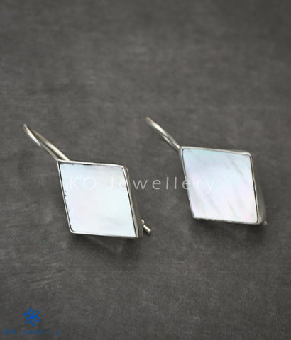 Diamond-shaped pure silver mother of pearl earrings
