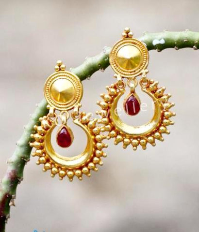 antique gold temple jewellery designs starting at INR 2,500