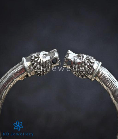 The Kesari Silver Lion Bracelet(Size 2.4)