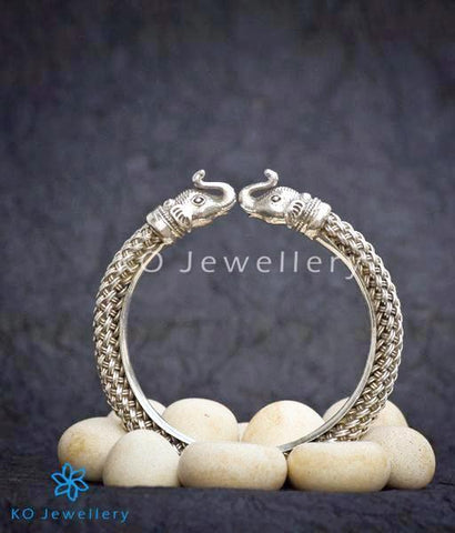 The Dvipa Silver Elephant Bracelet (2.5/2.6)