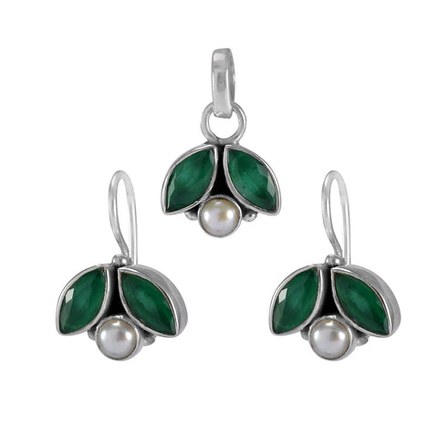 The Shyna Silver Gemstone Pendant Set(Green)