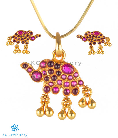 The Dvidanta Silver Elephant Pendant Set (Red)
