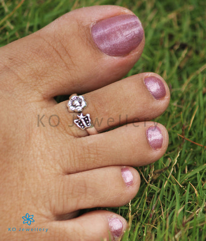 The Kumud Silver Toe-Rings