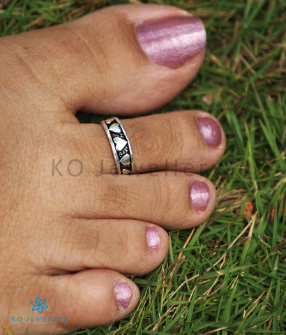 The Hridya Silver Toe-Rings