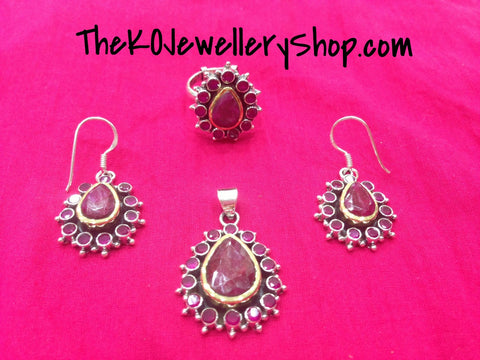 The Manasvini Silver Pendant Set (Red & White)