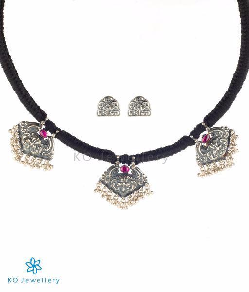 76ba7450d601c8 Elegant temple jewellery necklace set with traditional motifs · Buy  traditional South Indian temple jewellery online · The Kirtimukha Antique  ...