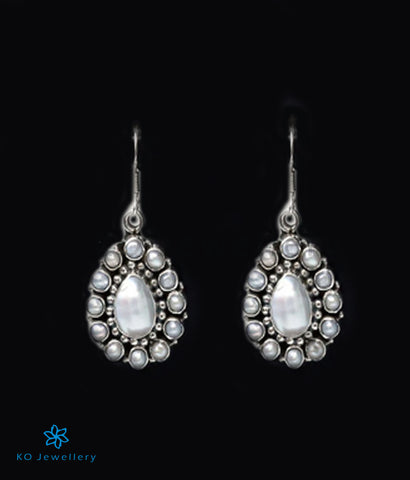 The Jiah Silver Earrings-Pearl
