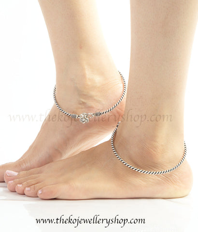 The Parul Silver Anklets
