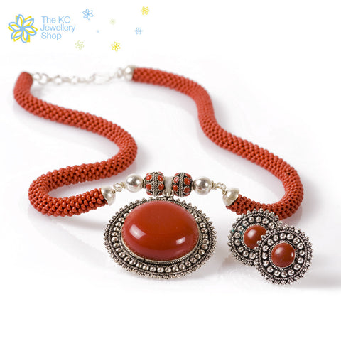 The Silver Sun Necklace Set -Red