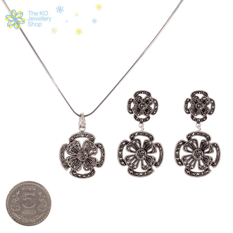 The Sparkling Flower Pendant Set - KO Jewellery