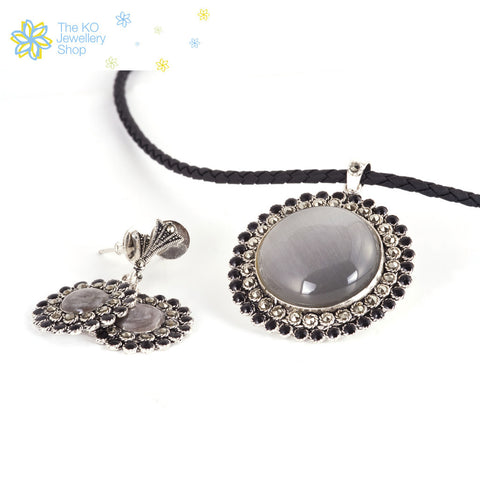 The Spring Pendant Set- Brown;Grey