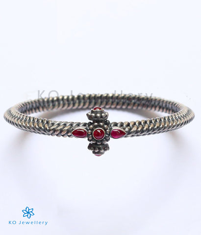 The Golusu Antique Silver Bangle (Oxidised)