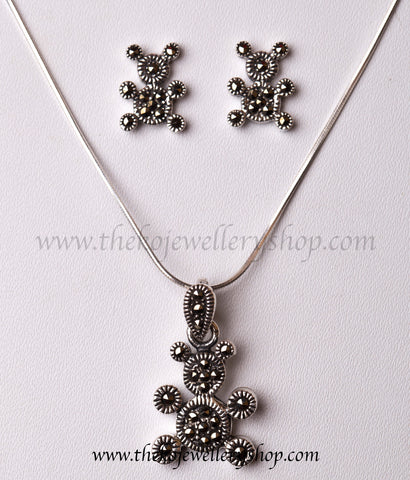 Shop online for teddy silver pendant set