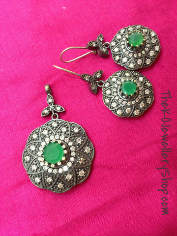 925 sterling silver pendant set in green