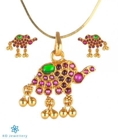 The Dvidanta Silver Elephant Pendant Set (Red/Green)